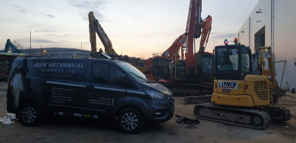Compact excavator with XWATCH safety system