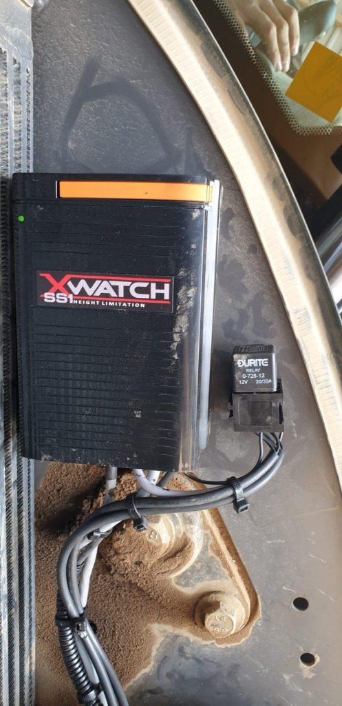 Excavator with XWATCH system