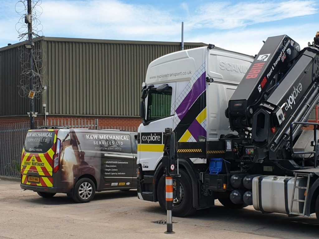 Lorry with XWATCH fitted plant machinery